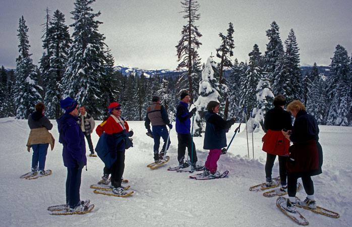 Snowshoe_Yosemite-snowshoeing