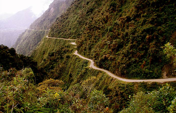 5-The-Death-Road-best-cycling-holidays-cycle-routes-death-road-bike-tour