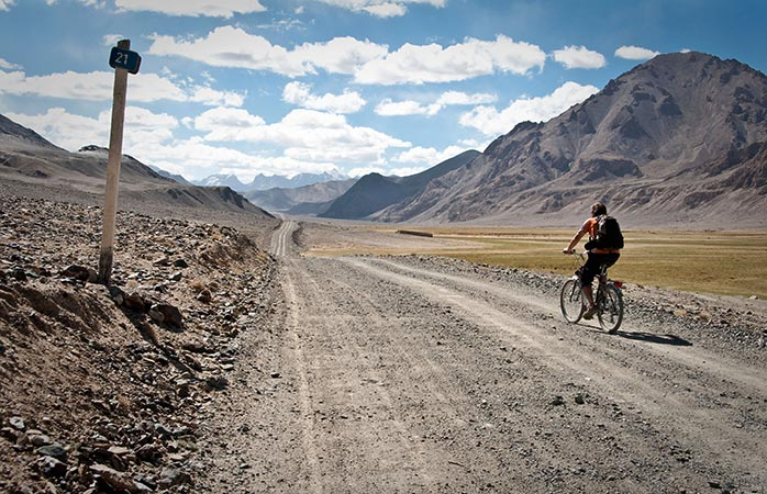 10-Pamir-Highway-cycling-cycle-routes