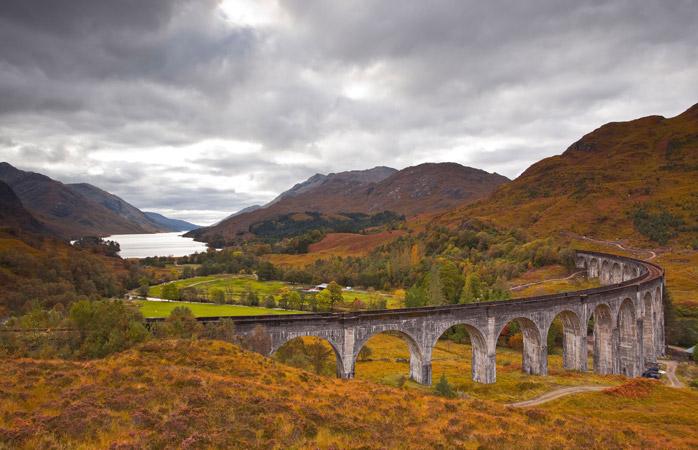 Glenfinnan-Viaduct-whisky-trail-scottish-whisky-whisky-highland