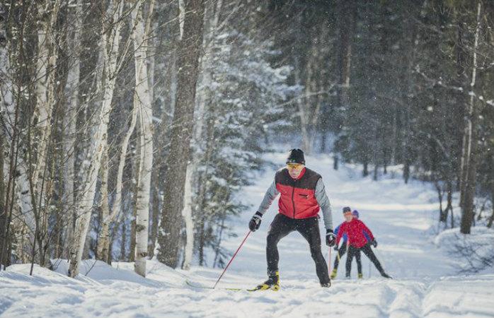 Cross country skiing is very popular at many Ontario ski resorts