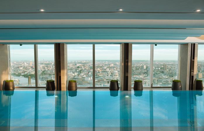 Shangri-la-hotel-london-hotels-with-swimming-pools-rooftop-pool-amazing-swimming-pools